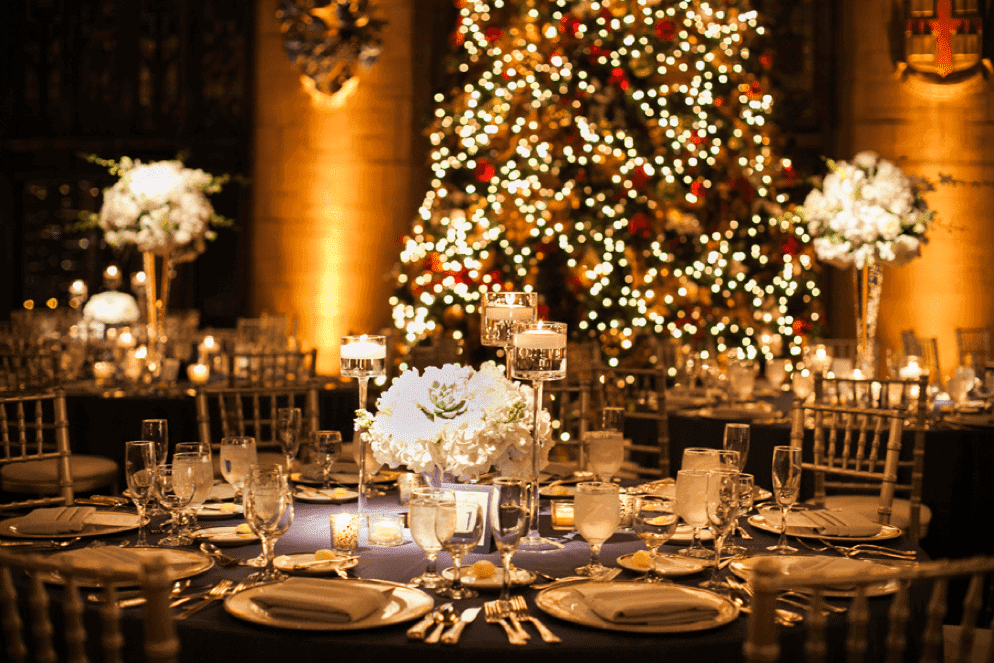 How to Throw the Perfect Holiday-Themed Wedding